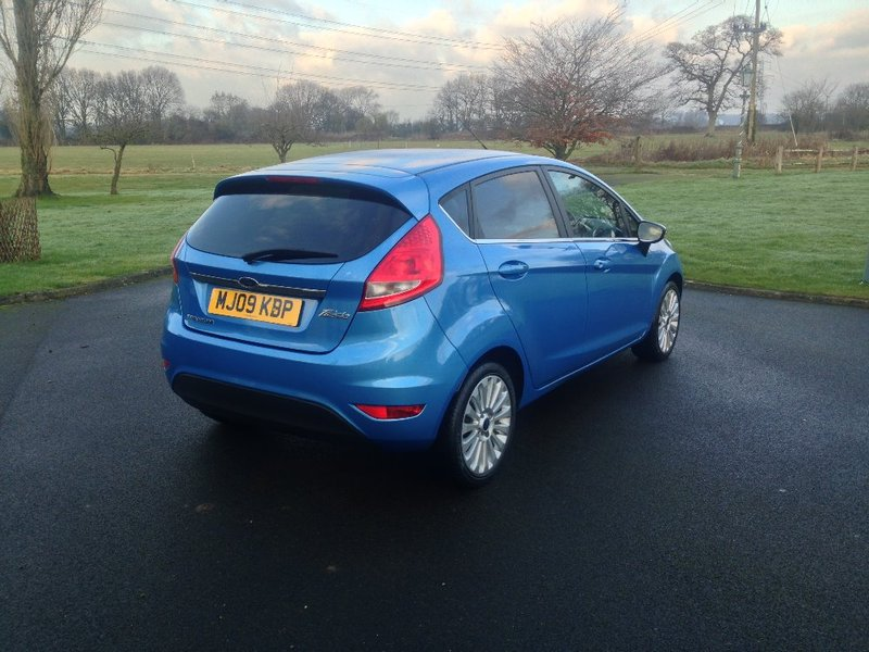 View FORD FIESTA 1.4 Titanium