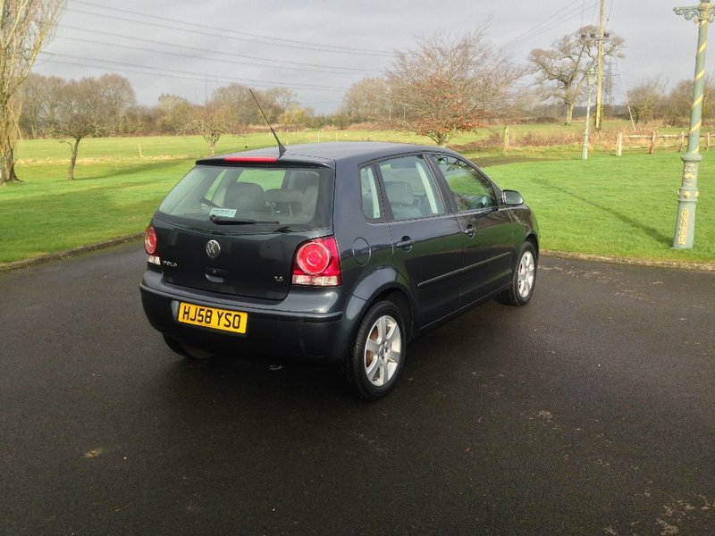 View VOLKSWAGEN POLO 1.4 Match Automatic