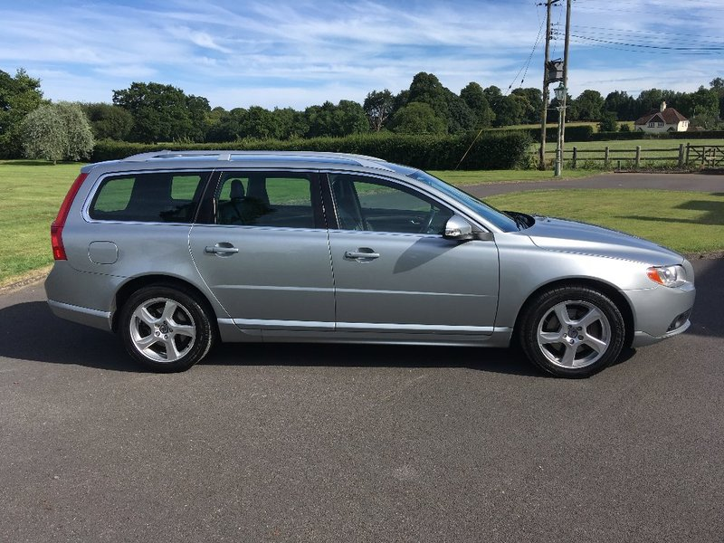 View VOLVO V70 2.0 D3 SE LUX GEARTRONIC