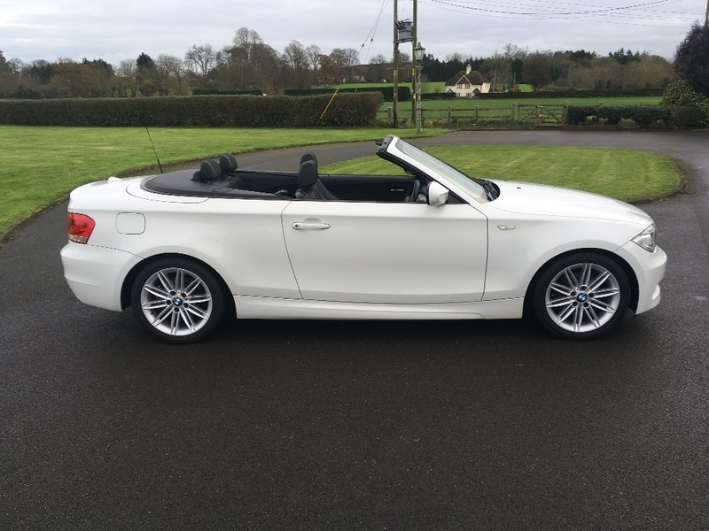 View BMW 1 SERIES 120d M SPORT