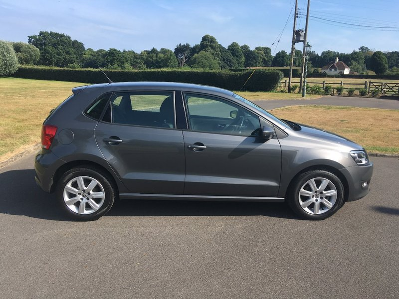 View VOLKSWAGEN POLO 1.4 SE DSG 5 DOOR