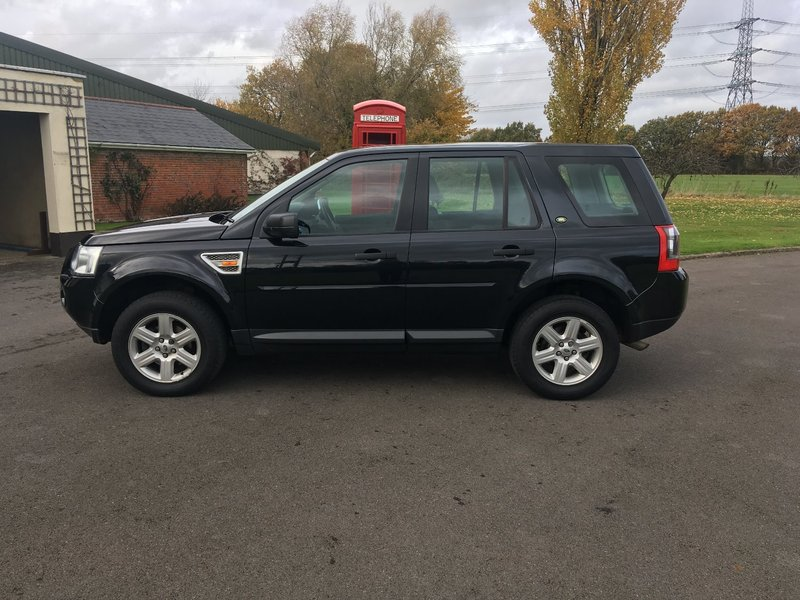 View LAND ROVER FREELANDER 2 2.2 TD4 GS