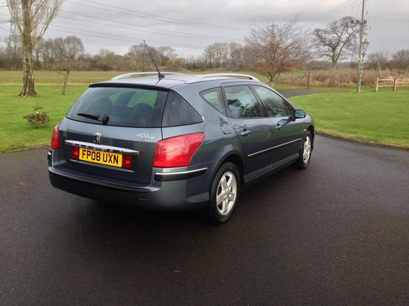 View PEUGEOT 407 2.0 HDI SE Estate