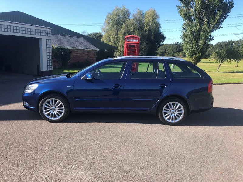 View SKODA OCTAVIA 1.8 TSI Laurin And Klement