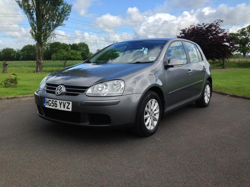 View VOLKSWAGEN GOLF 1.6 FSI MATCH