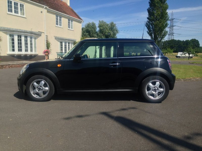 View MINI HATCH COOPER 1.6 Diesel Cooper