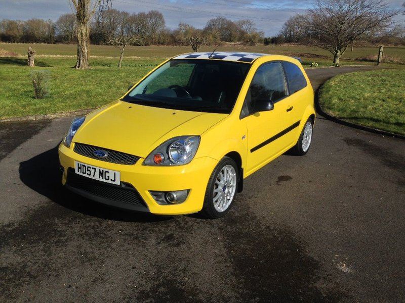 View FORD FIESTA Zetec S 30th Anniversary