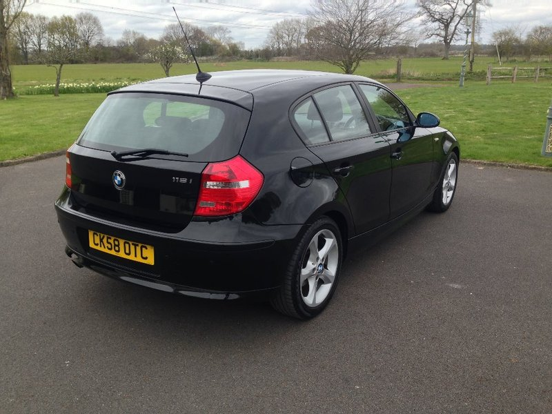 View BMW 1 SERIES 116i Edition ES